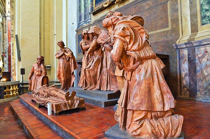 italy-bologna-basilica-di-san-pietro